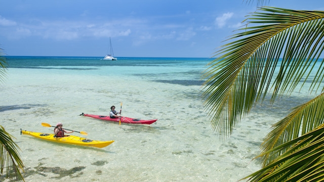 glovers-reef-belize-kayaking-030.jpg