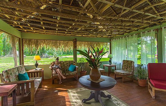 Bocawina Rainforest Resort Lounge