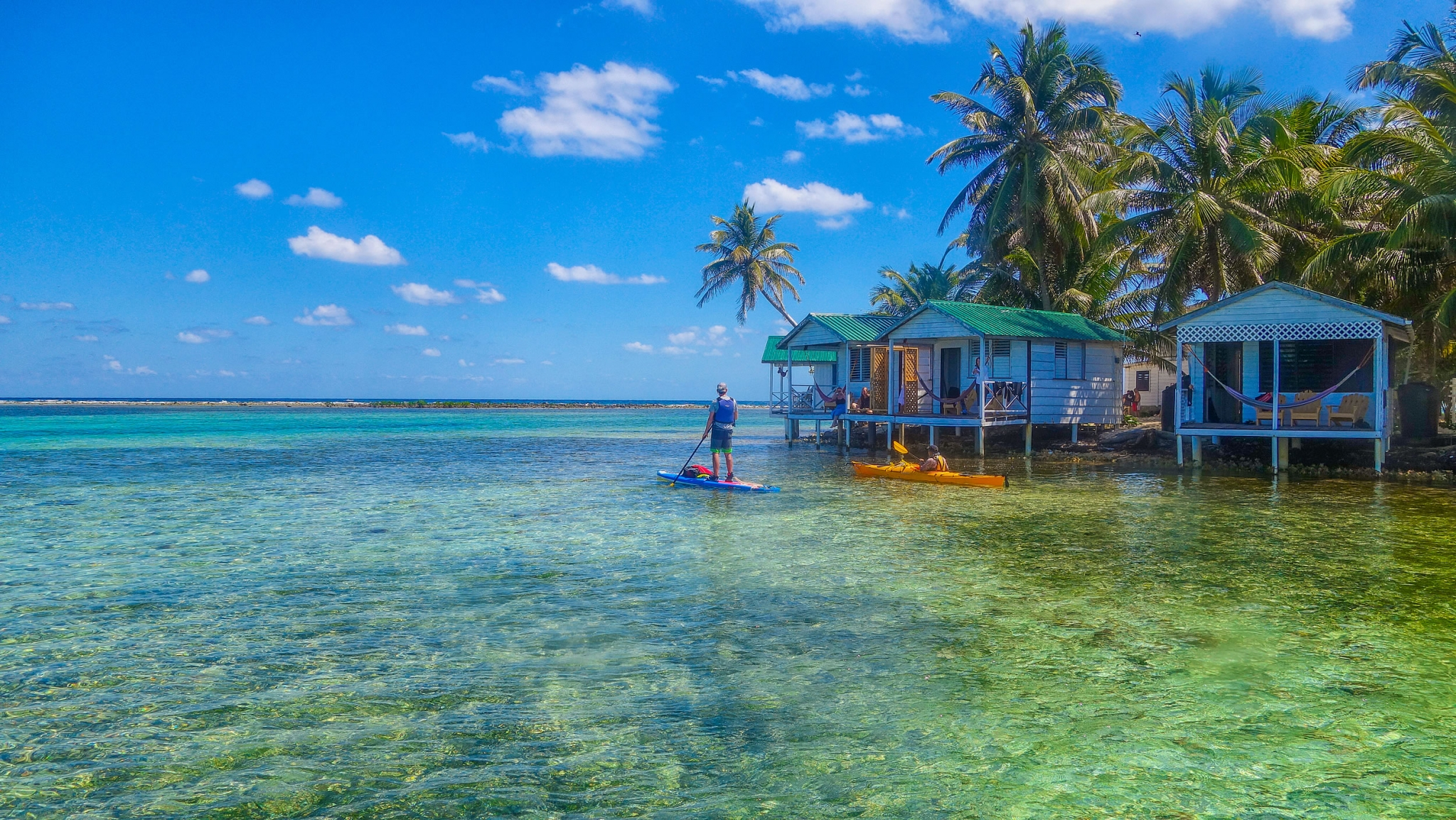 Stand Up Paddleboard around Tobacco Caye